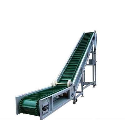 直销大倾角皮带输送机 刮板输送机倾斜带式上料机 自动上料胶带机