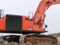 日立850H挖掘机装载沃尔沃卡车 (370播放)